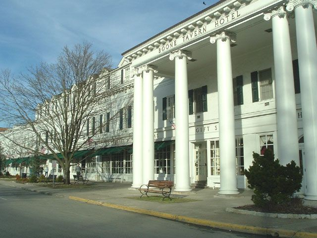 Reception For Boone Trace Hiker Curtis Peniz At Historic Tavern Hotel In Berea Ky Trail Pinterest