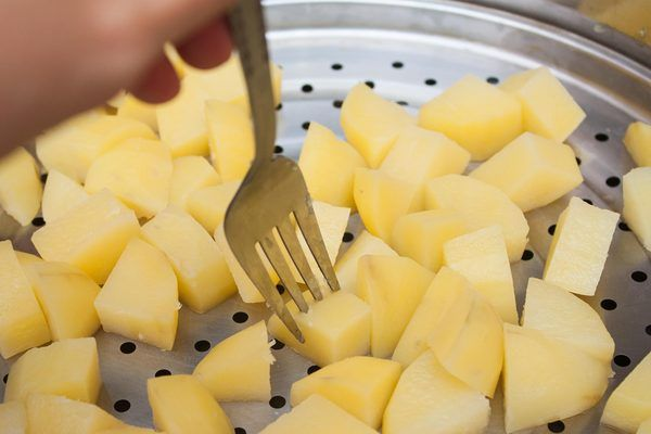 How to Steam Potatoes (with Pictures) | eHow