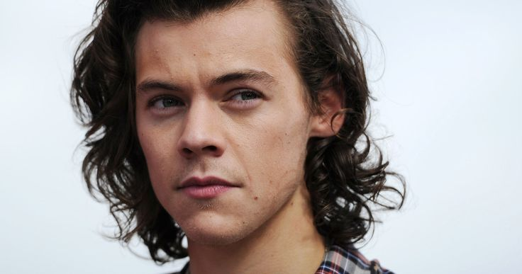 Christopher Nolan's 'Dunkirk' Gets One Direction Singer Harry Styles? -- Teen heartthrob Harry Styles may make his big screen acting debut in Christopher Nolan's WWII epic 'Dunkirk'. -- http://movieweb.com/dunkirk-movie-cast-one-direction-harry-styles-christopher-nolan/
