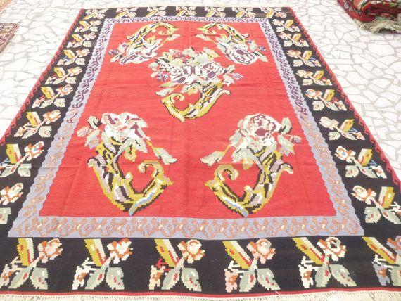 """Large Floral Kilim rug 10'30"""" x 8'"""