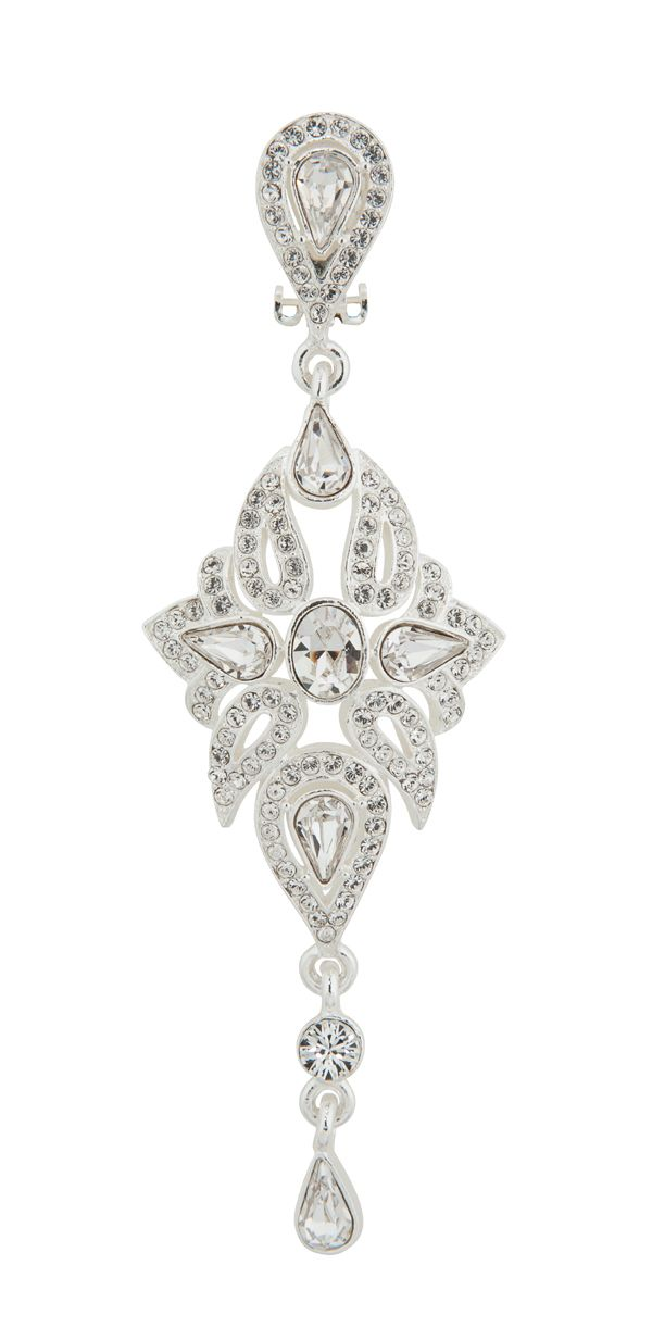 This earring is like no other! Clip earring allows brides without piercings to still enjoy magnificent earrings. 601041-E