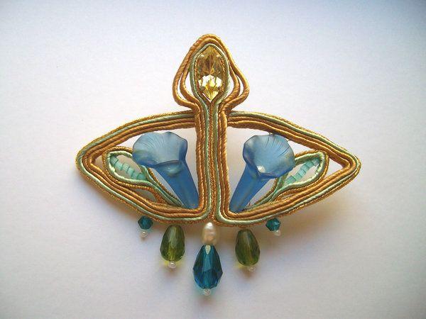 http://fdfcrafts.deviantart.com/art/Lilly-nouveau-soutache-brooch-429724563