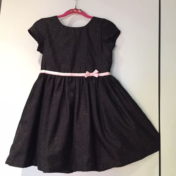 Carter's dress Only few times worn. Fully lined. Bundle for a fabulous discount Carter's Dresses
