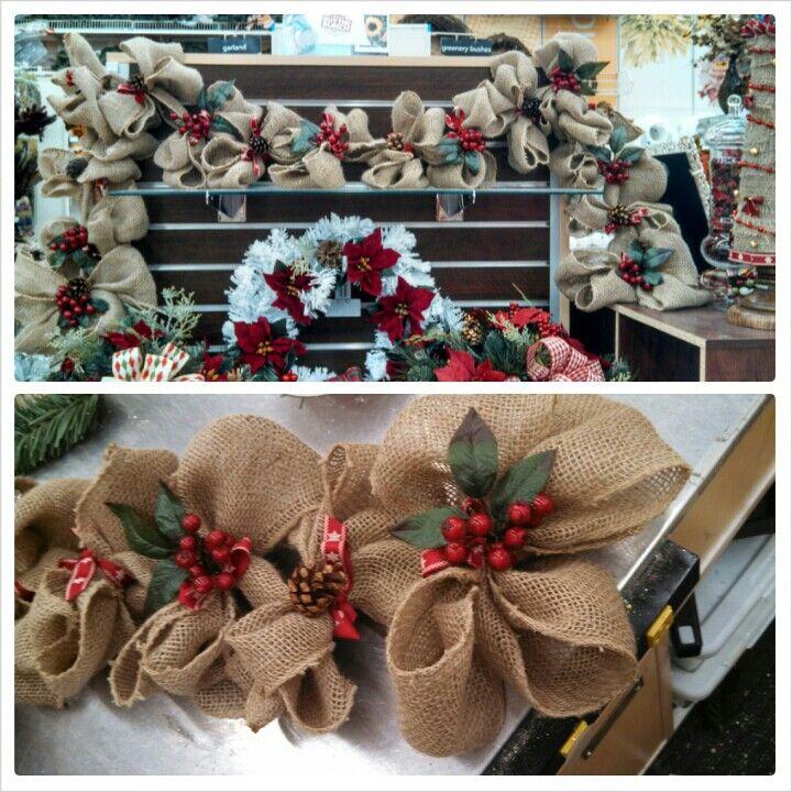 Burlap Christmas garland. <3