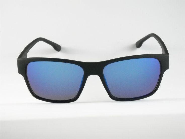 Blue colección Indiana Montura con acabado caucho Rubber en color negro grafito.