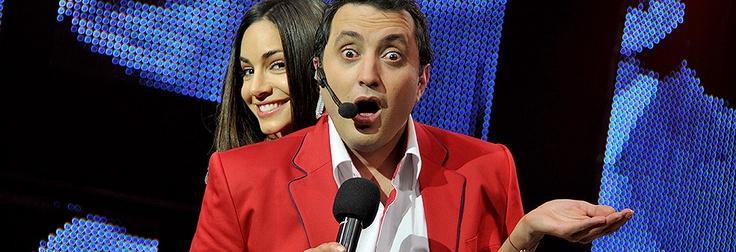 Los mejores humoristas reunidos en un mismo escenario. Revive aquí todos los capítulos del Festival Internacional del Humor 2012.
