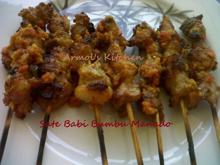 Sate Babi Bumbu Manado    Yuk simak resepnya http://aneka-resep-masakan-online.blogspot.com/2015/05/resep-sate-babi.html