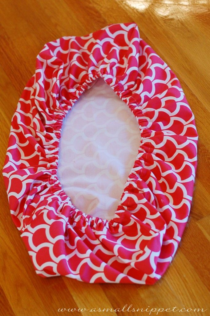 "Changing pad cover tutorial 1.5 yards of fabric and 36 in of (5/8"") elastic!!"