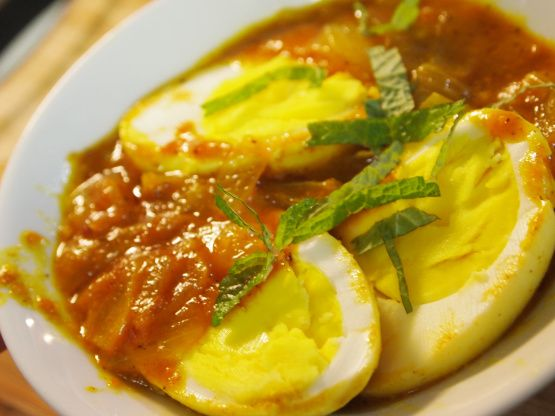 Make and share this Curried Eggs recipe from Food.com.