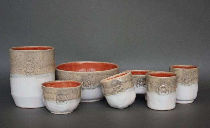 """""""Estado actual: Increiblemente feliz por ver todas las piezas juntas! estos son los modelos disponibles que pronto estaran en www.potpotceramica.com.ve…"""""""