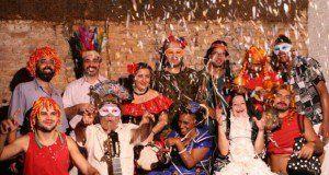 Bloco do Ó desfila no pré-Carnaval da Vila Madalena