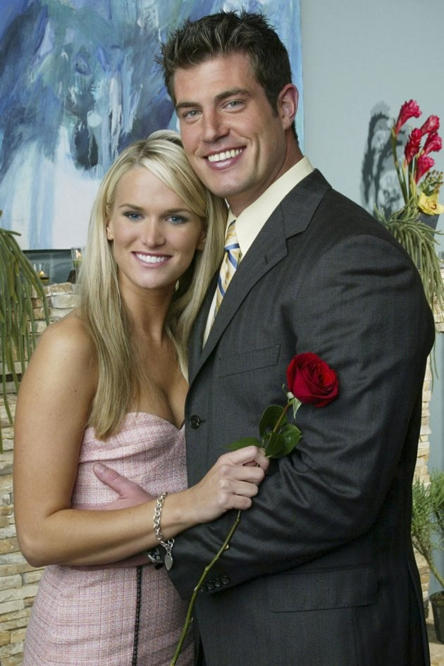 The Bachelor (Seaseon 5)  April 7, 2004 ~ Jesse Palmer & Jessica Bowlin ~  Palmer did not propose to Bowlin. They continued to date but broke up several months later.