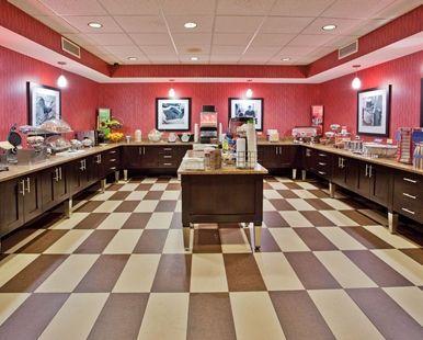 Hampton Inn Niagara Falls Hotel, NY - Breakfast Serving Area