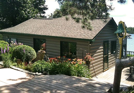 United States Seamless® -Northwoods Collection™ Log Cabin Seamless Steel Siding - Pecan