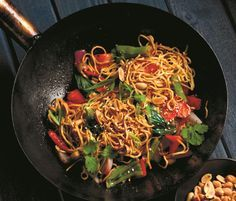 Last week, we mentioned that Earls, a long-standing Canadian restaurant chain, came out with a cookbook about the food trends that have shaped how Canadians eat over the past 30 years. The cookbook is filled with recipes of its signature dishes, one of which is the Hunan Kung Pao, which came into popularity in the 90s for the restaurant.