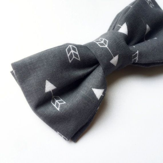 Men's Grey and White Bow tie  Arrow Bow tie  by FlyTiesforFlyGuys