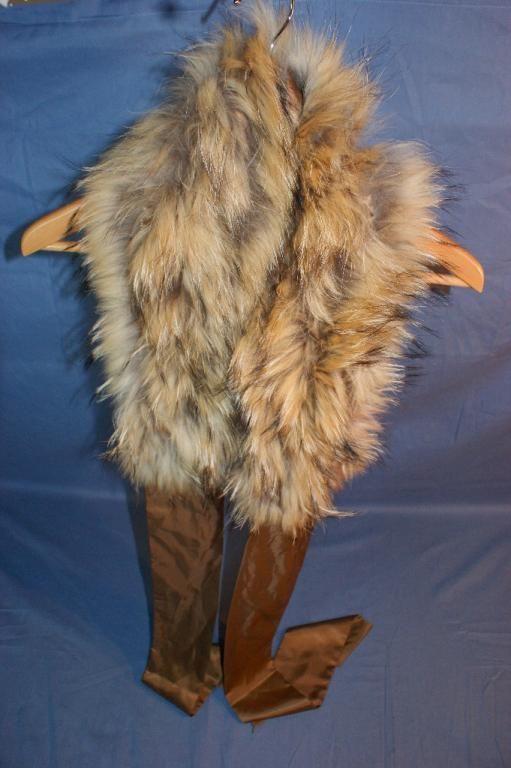 Annons på Tradera: Halsduk i äkta päls, tvättbjörn