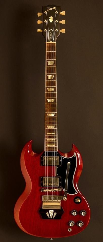 1962 Gibson Les Paul Standard. Everyone should know this guitar by now.