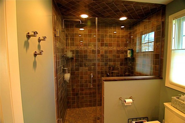 25 Walk In Showers For Small Bathrooms To Your Ideas And Inspiration Going To Tehran Shower Remodel Bathroom Design Small Shower Remodel