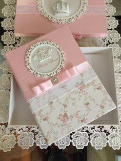 caderno maternidade - adaptar p/ Fran com tecido bege e tecido listrado azul e branco e detalhe de urso