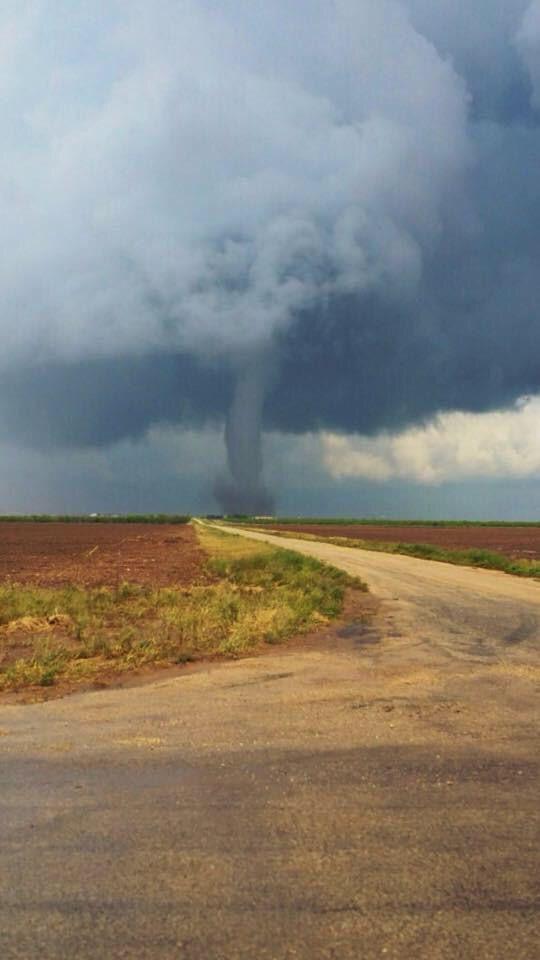 Tornado near Lubbock, TX on 5-5-15