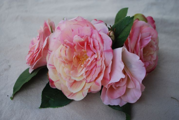 Tocado de flores www.canastodeflores.cl