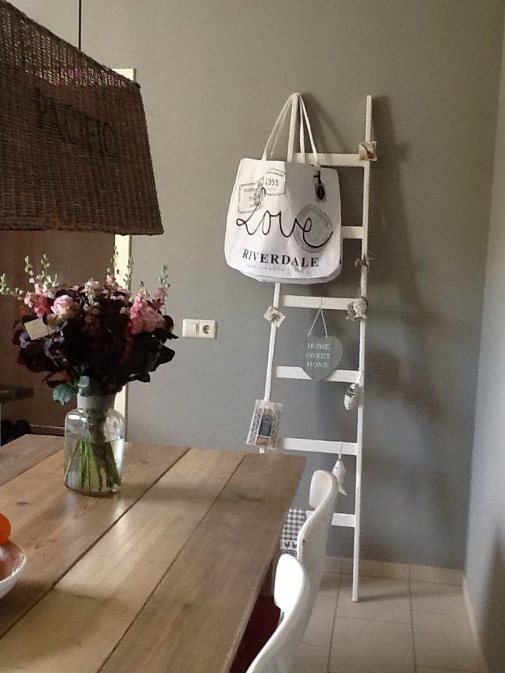 ♥️houten tafel met lichte stoelen