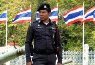 Идеальное путешествие: Полиция Таиланда приведена в повышенную готовность...