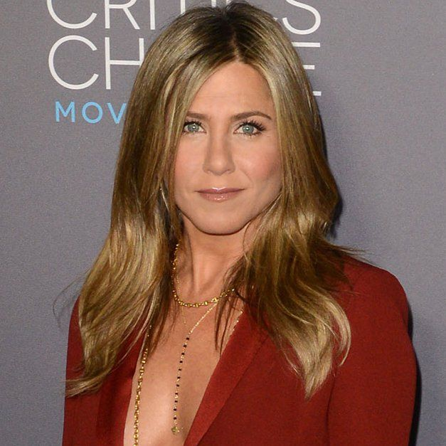 Pin for Later: Jennifer Aniston Veut Enterrer la Hache de Guerre