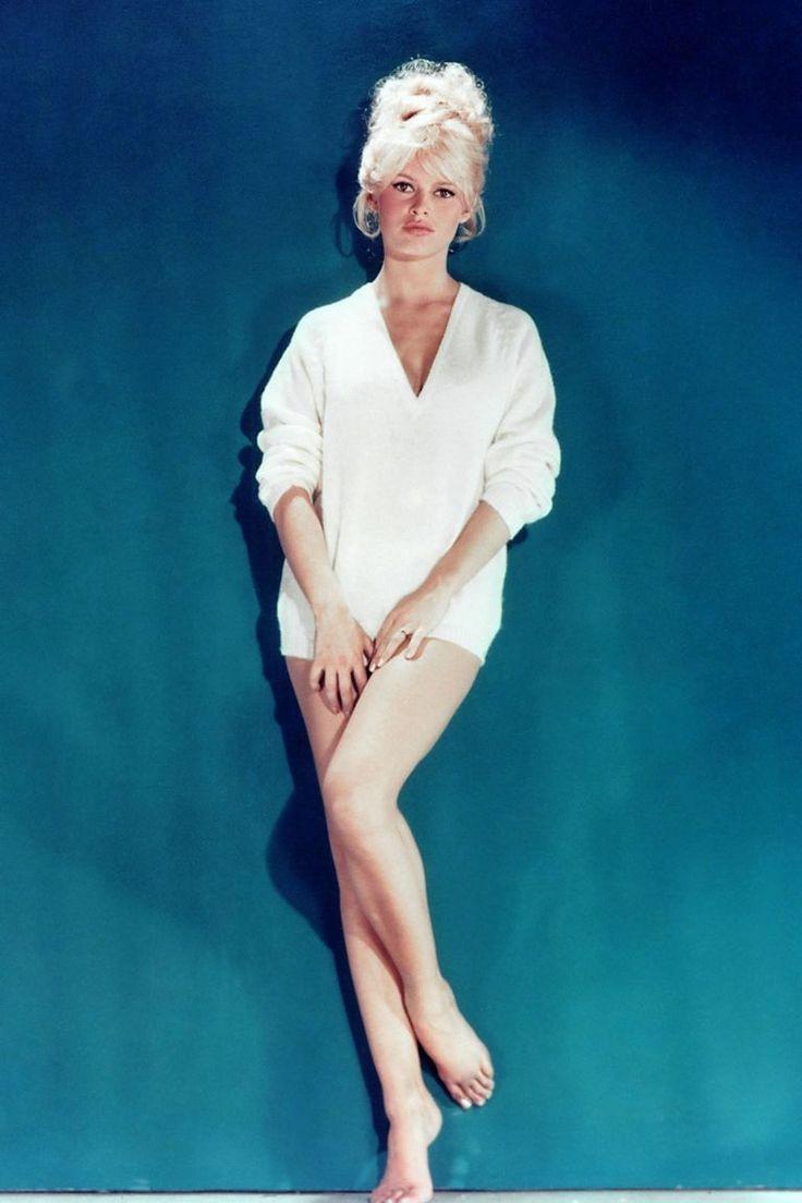 739 best hot chicks images on pinterest | beautiful women, curves