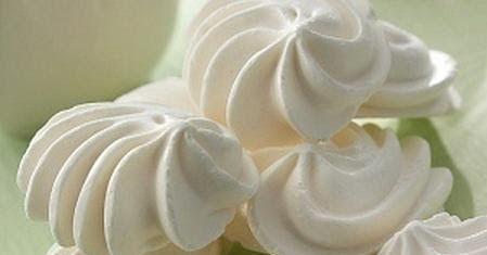 Receta de merengues caseros al horno, muy facil y ricos. Como hacer merengues caseros al horno, basicos con clara de huevos y azucar. Merengues caseros al horno perfectos, paso a paso