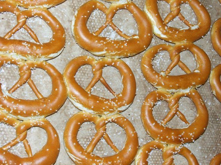 La recette du Bretzel « Made in Alsace » « Made in Alsace   La marque d'une région   Tourisme, Gastronomie, Recettes et Brad Wurscht