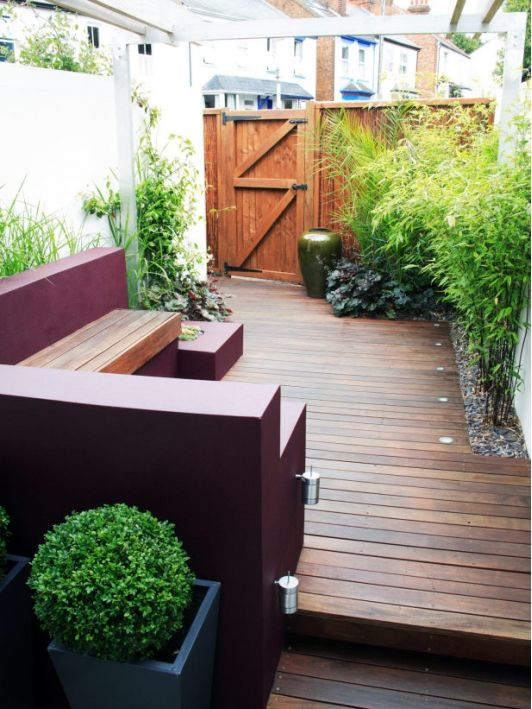 Urban Styled Garden Mixes Colors and Shapes - Home and Garden Design Idea's