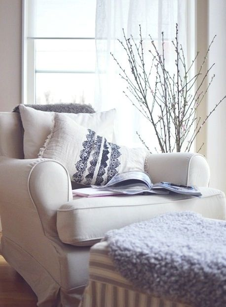 One day my cozy chair & nook will be white instead of dark green!  Dogs! Kids! Husband! Dogs! Kids! Husband!... need I say more?