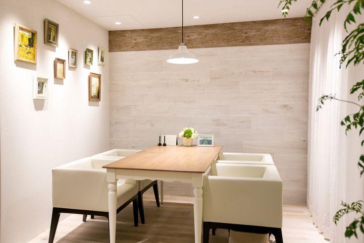 グリーンとヴィンテージ感ある木目が居心地の良いサロン|オフィスデザイン事例|デザイナーズオフィスのヴィス