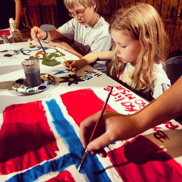 Idea for entertaining the youngsters - let them paint! May 17th is Syttende Mai - Norway's Independence Day