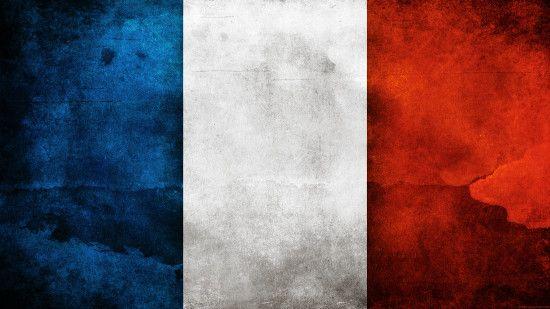 Bleu Blanc et Rouge de la trâme rappellent le drapeau français. La touche de noir => cubes