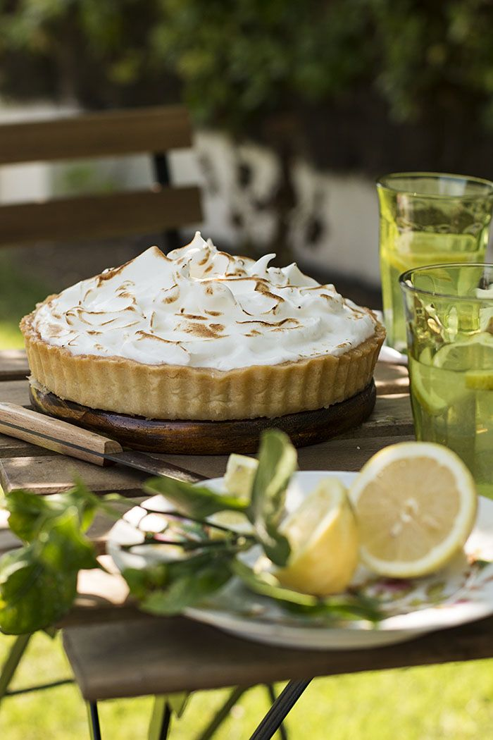 LEMON MERINGUE PIE o PASTEL DE CREMA DE LIMÓN Y MERENGUE - See more at: http://sweetandsour.es/lemon-meringue-pie-o-pastel-de-crema-de-limon-y-merengue/#sthash.44Ah8eRa.dpuf