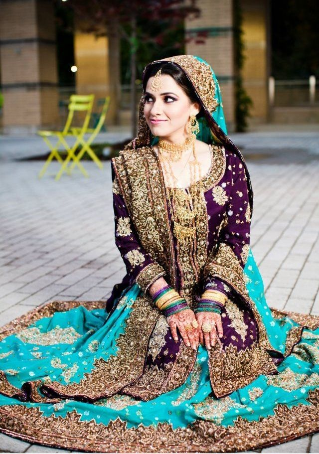 Try the unusual combination of teal and purple for a gorgeous look! #Indian #Fashion #Outfit #SouthAsian #Purple #Teal