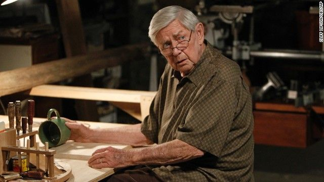 'Waltons' actor Ralph Waite dies at age 85 - CNN #Waltons, #Waite