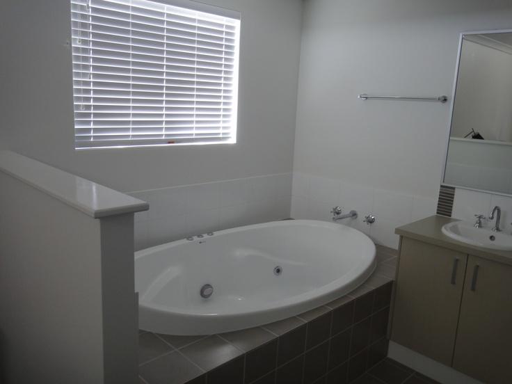 Mandurah Holiday House   Villa 17 – 106 -108  Mandurah Terrace,Mandurah, WA, 6210  403055506  http://mandurahholidayhouse.com/