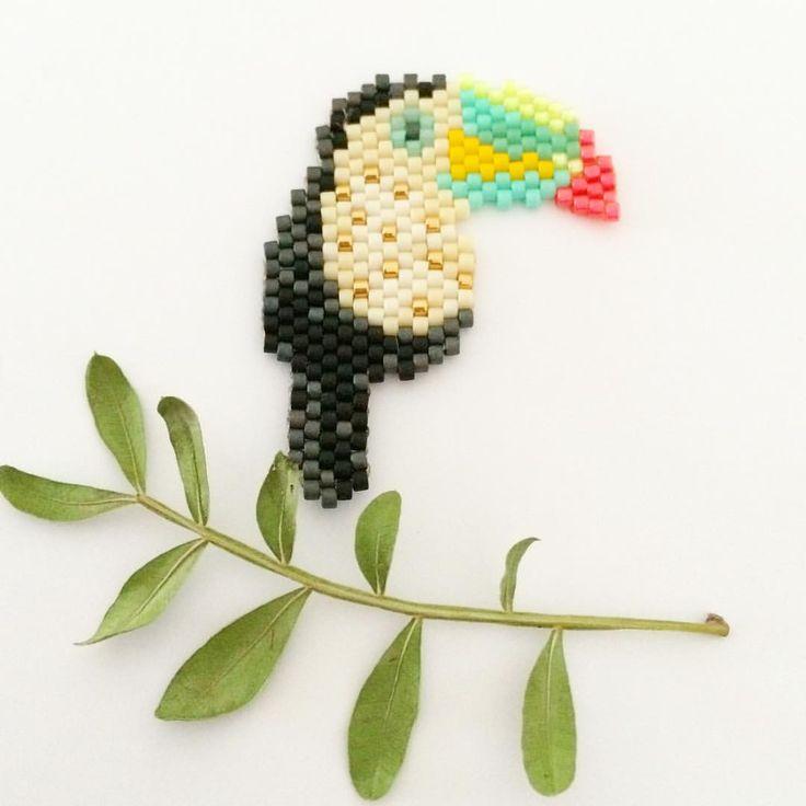 Quand on a la flemme de jouer une nouvelle fois avec 42 couleurs, c'est un baby toucan qui voit le jour! #perlezmoi #perlezmoidamour #tropicalmood #jenfiledesperlesetjassume