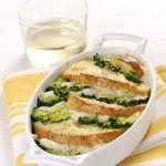 Ricetta Pasticcio di pane, formaggio e broccoli | Donna Moderna