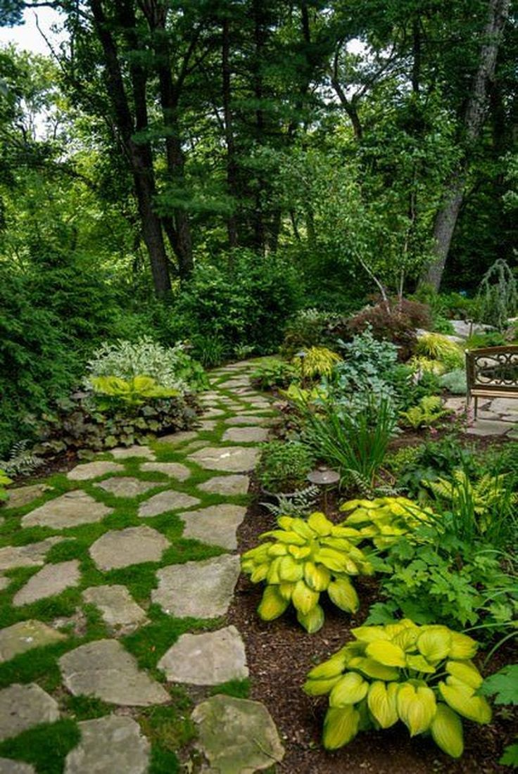 Awesome 36 Simple And Eye Catching Flagstone Backyard Walkway Ideas. More at http://dailypatio.com/2017/12/16/36-simple-eye-catching-flagstone-backyard-walkway-ideas/