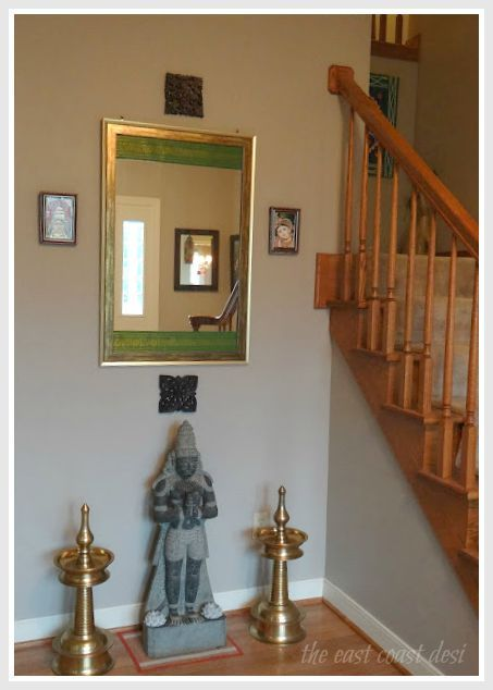 Foyer entry way ideas the mirror has the special touch for Foyer designs india