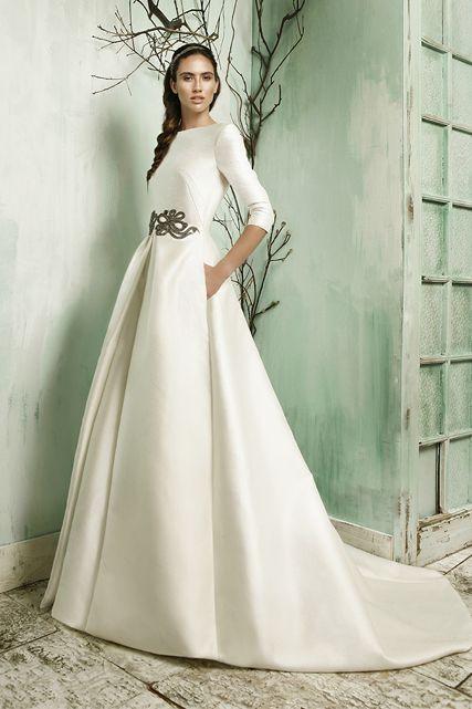 http://www.luciasecasa.com/labodadelucia/vestidos-de-novia-estilo-princesa/