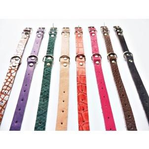 A coleira sem enfeite é fabricada em couro, com a qualidade Cuore, porém sem detalhes, do tamanho 00 ao 6 é indicada para filhotes ate cães de grande porte