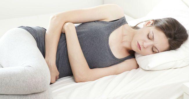 Conoce los síntomas de la colitis y aprende a identificarla. Los síntomas de la colitis se registran en más del 20% de los mexicanos. Los síntomas de la colitis pueden registrarse en personas muy estresadas.