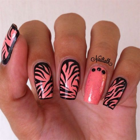 Zebra Nailart by Nailtalknl - Nail Art Gallery nailartgallery.nailsmag.com by Nails Magazine www.nailsmag.com #nailart