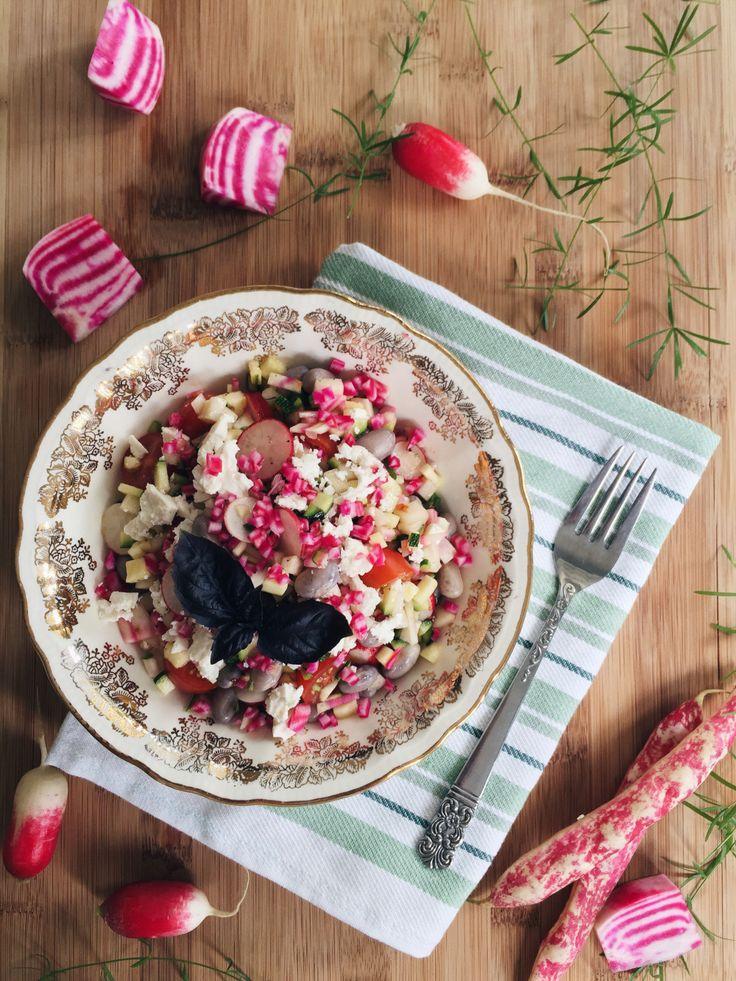 Salade de haricot romano, chou-rave, betterave et basilic